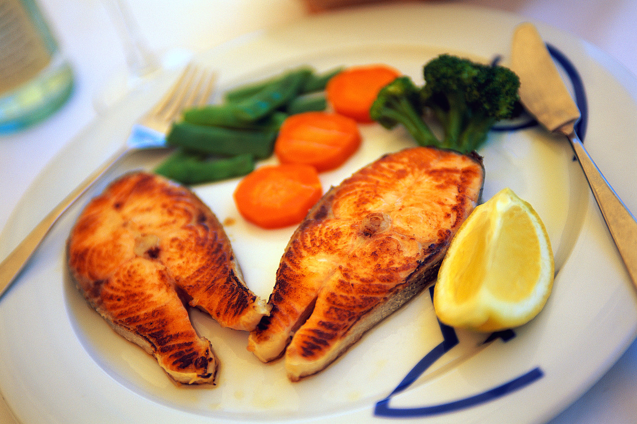 Eat fish live longer arizona health spot for Healthiest fish to eat