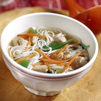 ginger-chicken-noodle-soup-R056244-ss